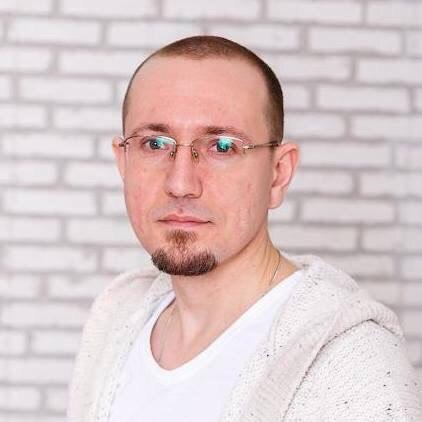 Максим Халёв